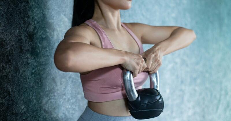 4. Lebih baik lakukan olahraga angkat beban