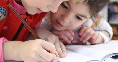 Cara Membuat Anak Pintar Usia Dini, Ikuti 7 Tips Ini Yuk Ma