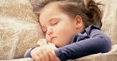 Jangan Anggap Sepele Dampak Penyebab Gangguan Tidur Bayi