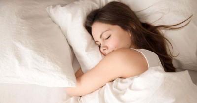 Tingkatkan Kualitas Tidur, Ini Tanda Bantal Harus Diganti
