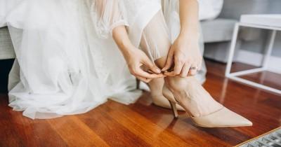 Ini Bahaya Jika Mama Kebiasaan Pakai Sepatu dari Dalam Rumah