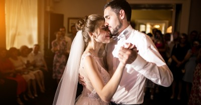 5 Tips Menjaga Hubungan Pernikahan Usia Terpaut Jauh
