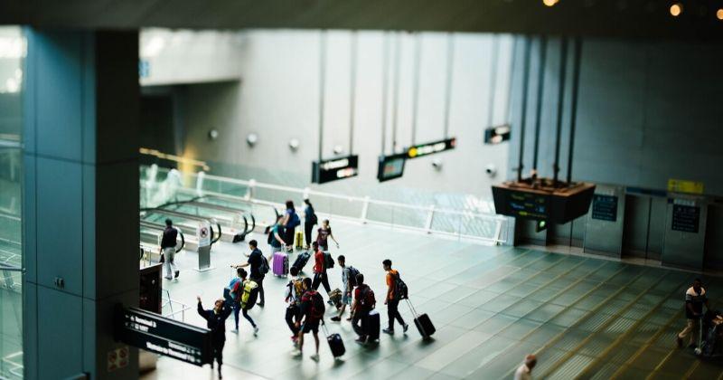 1. Irfan sempat mengantar sampai Bandara Soekarno-Hatta