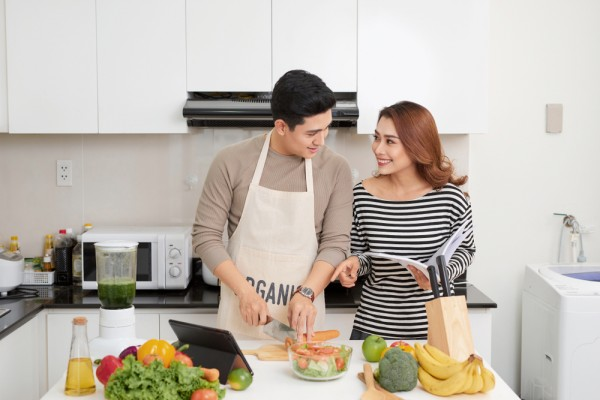 Ini 5 Tips Membuat Suami Jadi Jago Masak   Popmama.com