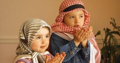 Jangan Terlewat, Ajarkan Anak Doa Bangun Tidur Keluar Kamar Mandi