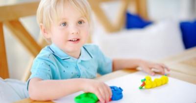 9 Cara Belajar Mengenal Bentuk Huruf Playdough