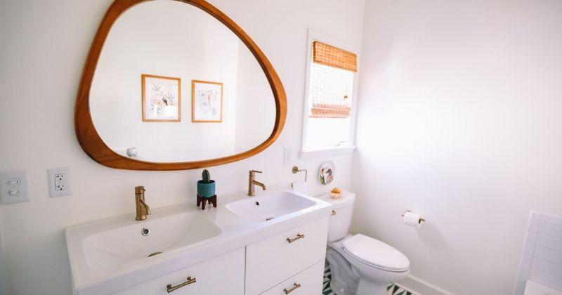 4. Letakan cermin berukuran besar