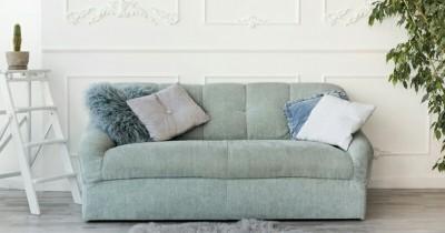 7 Penyebab Cara Menghilangkan Bau Apek Sofa
