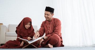Cara Mengajarkan Anak agar Cinta Alquran Sejak Dini