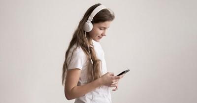 6 Fakta Media Sosial Perlu Anak Ketahui Sebelum Memakainya
