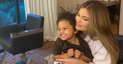 Gemas! Lihat Stormi, Putri Kylie Jenner saat Patience Candy Challange