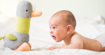 Jangan Mudah Percaya, Ini 7 Mitos tentang Perawatan Bayi Faktanya