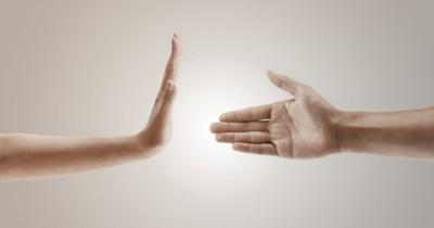 Etiket Menolak Bersalaman saat Lebaran untuk Cegah Penyebaran Covid-19