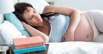 5 Cara Menjaga Kesehatan Fisik Mental selama Bed Rest saat Hamil