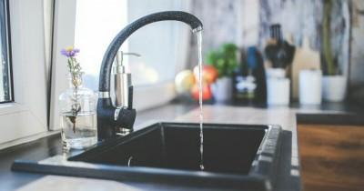 Agar Bebas Bau, Ini Dia 5 Cara Tepat Membersihkan Kitchen Sink