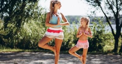 Sering Merasa Cemas, Ini Manfaat Yoga Anak