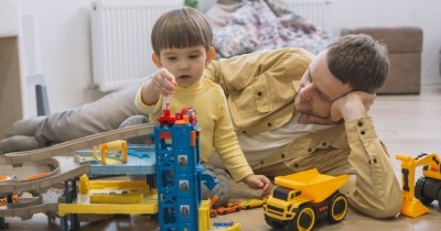 7 Peran Papa dalam Pengasuhan Anak Tak Kalah Penting dari Mama