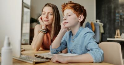 Penting Ajarkan Anak Beda Fitnah Kritik, Mana Kritik Hoax