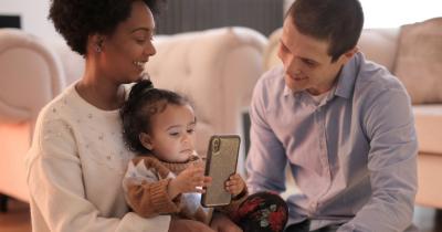 5 Ciri-Ciri Anak Kecanduan Gadget Cara Mencegahnya
