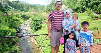 10 Potret Ketiga Anak Intan Nuraini Lengket Sang Mama