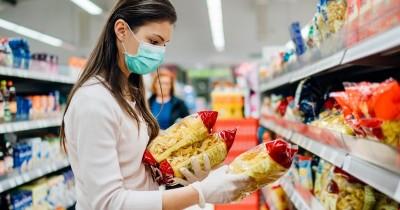 Pakai Sarung Tangan saat Berbelanja Tidak Mencegah Penularan Covid-19
