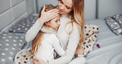 10 Cara Mengatasi Demam pada Anak dengan Bahan Alami