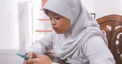 Demi Ikut UTS saat Pandemi, Ini Kisah Perjuangan Anak Bukit Menoreh