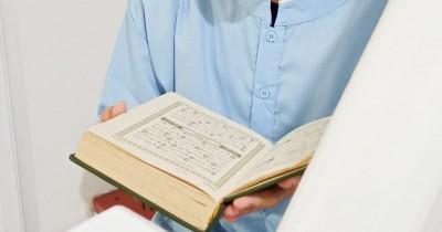 Cara Mengajarkan Anak Bacaan Surat Al Ikhlas, Arti dan Keutamaannya