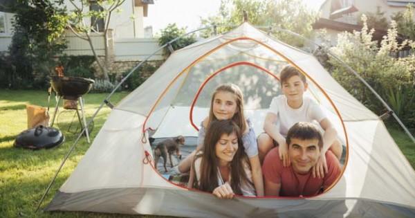 10 Tips Camping Nyaman di Halaman Belakang Rumah dengan Anak   Popmama.com