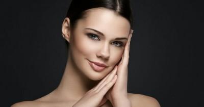 5 Kesalahan Mengaplikasikan Skincare Malam Bikin Wajah Rusak