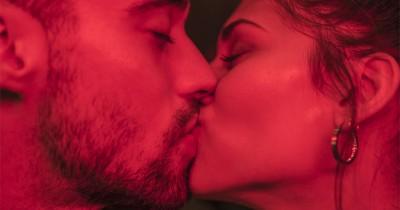5 Kesalahan Paling Sering Terjadi saat Berciuman Bersama Pasangan