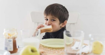 5 Kombinasi Makanan Anak Tak Boleh Dikonsumsi Bersamaan