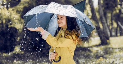 Mengajarkan Anak Doa Ketika Turun Hujan