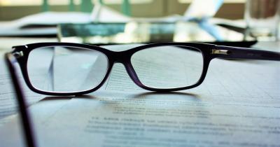Meski Belum Bisa Lasik, Ini Dia Cara Mengatasi Mata Minus Anak
