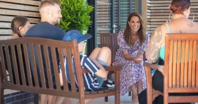 Pakai Gaun Merek Asal Bali, Kate Middleton Tampil Cantik Menawan