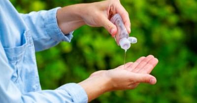8 Cara Menghaluskan Tangan Kasar Karena Hand Sanitizer
