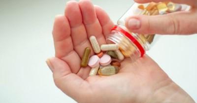 Apakah Ibu Menyusui Boleh Minum Obat Pembakar Lemak atau Obat Diet?