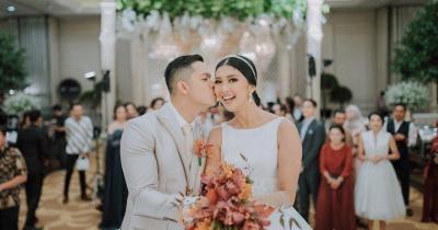 Potret Mesra Kevin Lilliana Suami Menanti Kehadiran si Kecil