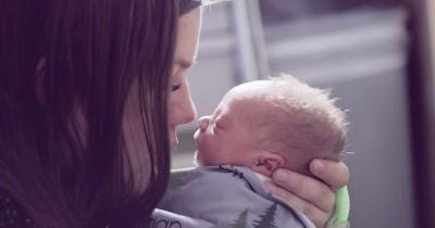 Cek Segera Bulu-Bulu Halus Kulit Bayi Wajar atau Tidak