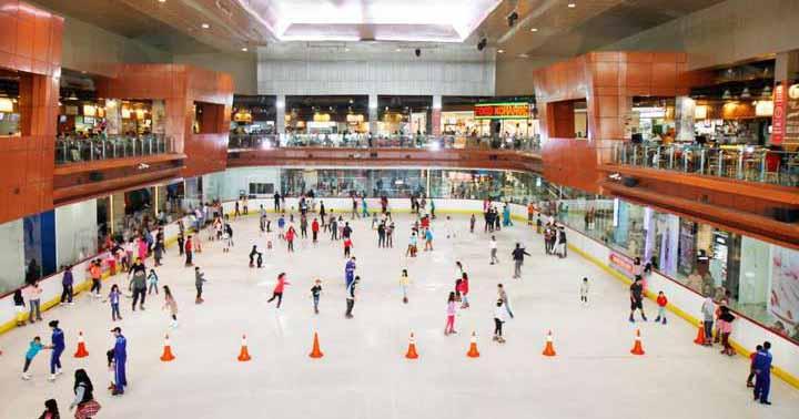 2. BX Ice Rink Bintaro Jaya Xchange Mall