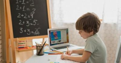 5 Tips Memilih Laptop Cocok Anak Sekolah Online