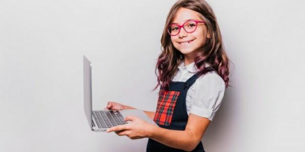 5 Tips Memilih Laptop yang Cocok untuk Anak Sekolah Online   Popmama.com
