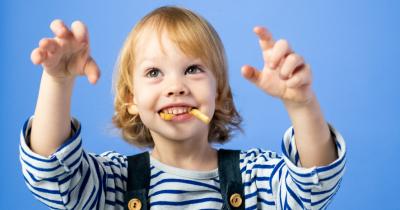 5 Manfaat Membiasakan si Kecil Ke Dokter Gigi Sejak Kecil