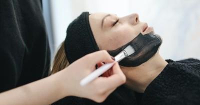 5 Masker Alami Mencerahkan Menghilangkan Komedo Wajah