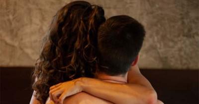 5 Bahasan Seks Penting Dibicarakan Pasangan