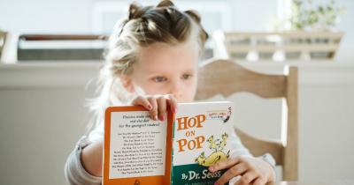 Tak Ha Tumbuhkan Minat Baca, Ini Manfaat Dongeng bagi Anak-Anak