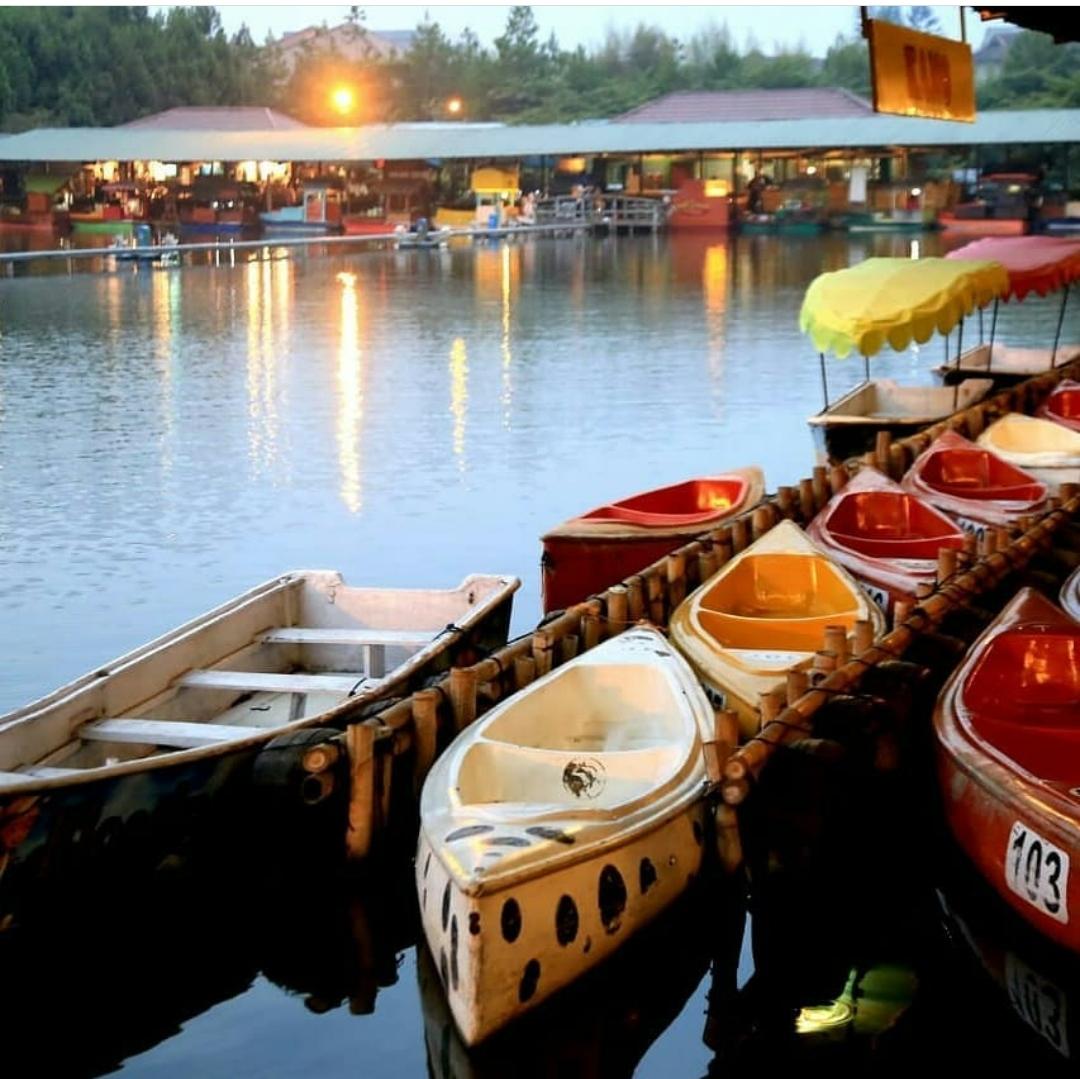 3. Floating Market Lembang