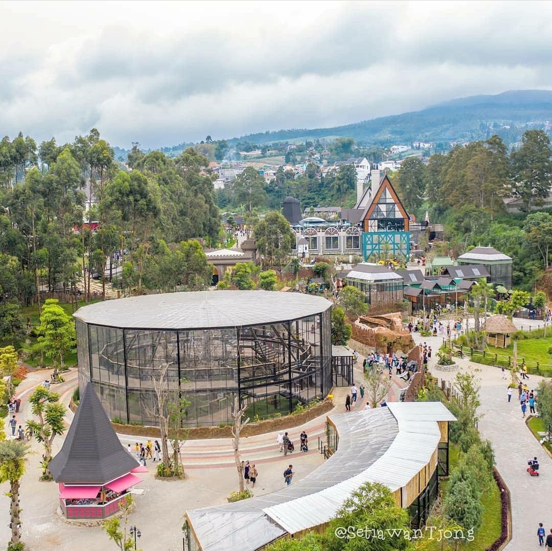 9. Lembang Park and Zoo