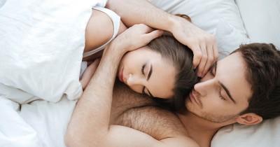 Tetap Panas Ini 5 Posisi Seks Terbaik saat Sedang Malas Bercinta