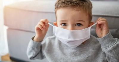 Jangan Memakaikan Anak Masker Scuba saat Keluar Rumah, Ini Alasannya